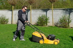 mowing lawns in Motspur Park
